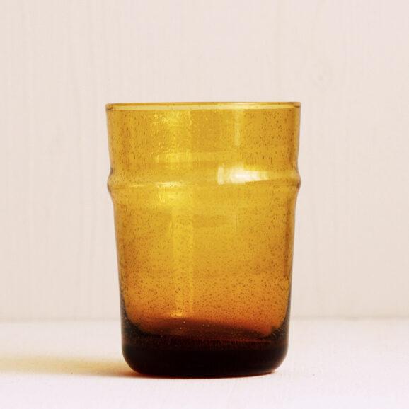 Wasserglas gelb