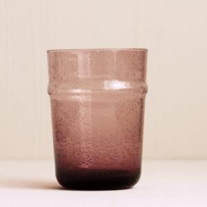 Wasserglas lila