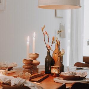 Dekoration und Kerzen