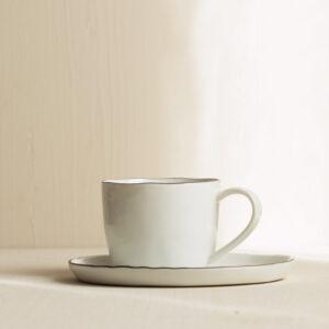 Tasse mit Untertasse Salt von Broste Copenhagen