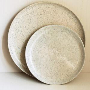 grosser und kleiner Teller onomao sand