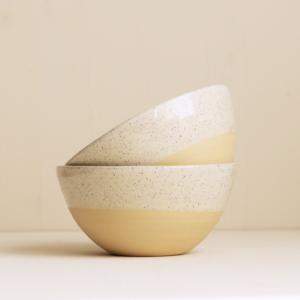 Schalen von onomao in natur und sand