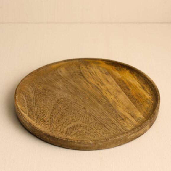Holzteller fuer die Adventsdekoration