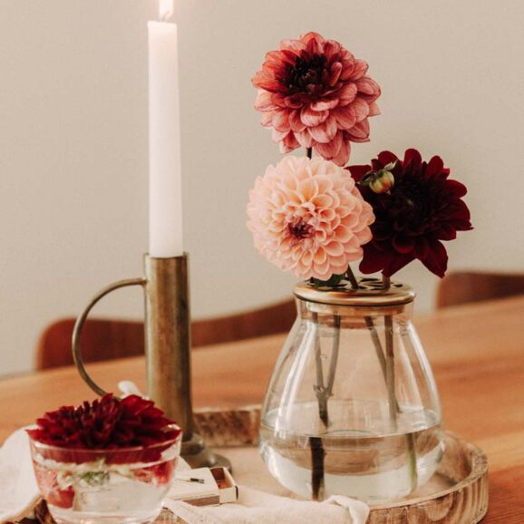 Vase mit Deckel fuer eine schoene Tischdeko