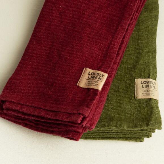 Leinen Servietten von Lovely Linen in bordeaux rot und dunkelgruen